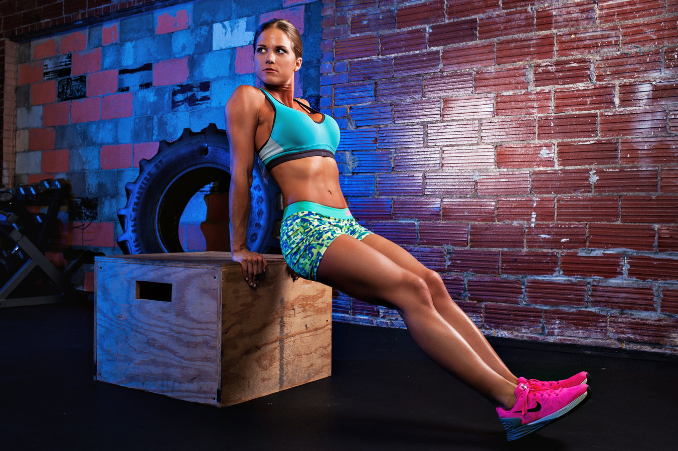 Kayla Fassio Fitness Model based in Oklahoma.   Fit women working out.  Fit women working out. Performing dips using a plyo box.  Kenneth M. Ruggiano is a portrait photographer living in Tulsa, Oklahoma