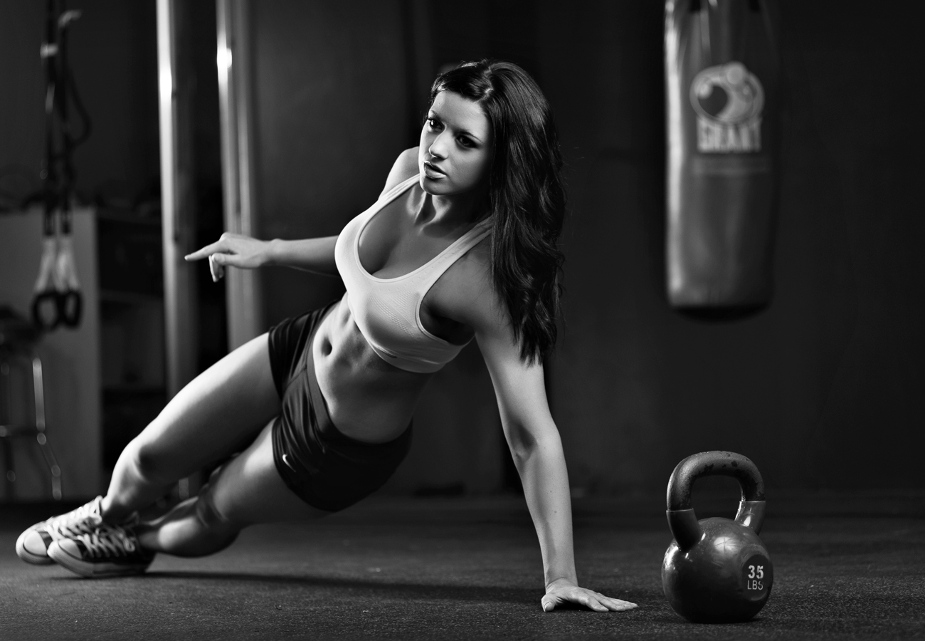 Fit women working out.  Kenneth M. Ruggiano is a portrait photographer living in Tulsa, Oklahoma specializing in Sports and Athletic Photography.